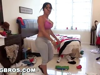 BANGBROS - Fat Bootie Cuban Lady Angelina Cleans With the addition of Gets Smashed!