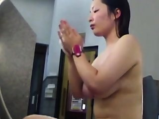Voyeur - Japan. Jiggly Titties